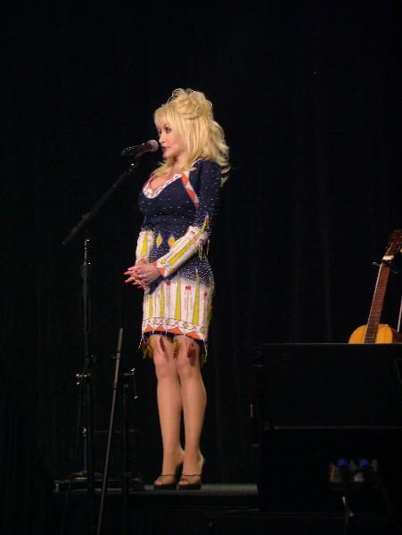 Dolly Parton DC09-9390