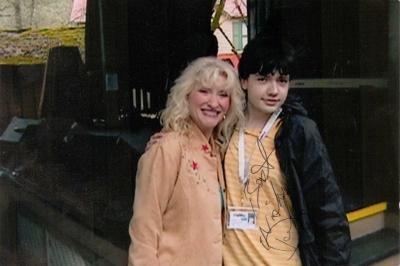 Dollymania The Online Dolly Parton Newsmagazine Your