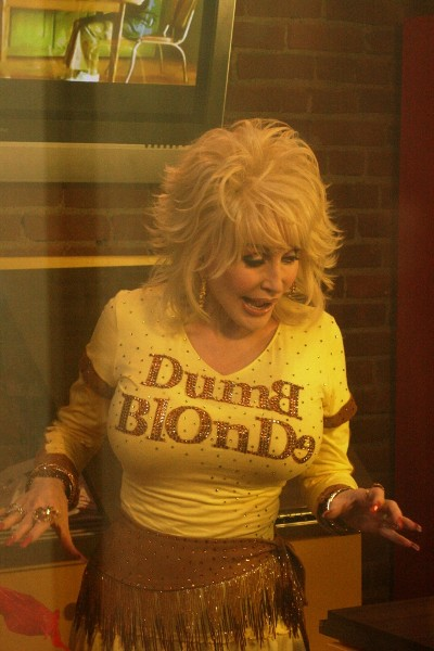 Dolly Parton - Page 3 Store-wortley-20